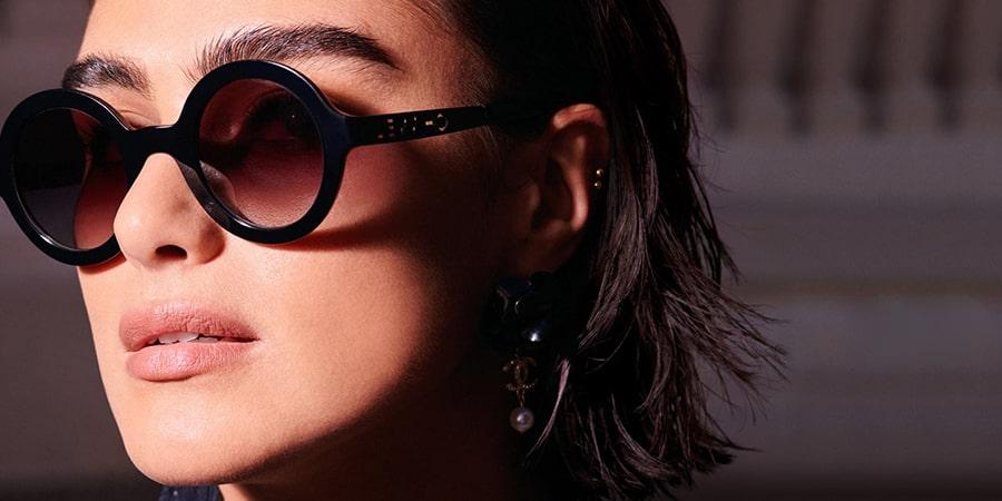 как правильно должны сидеть очки по бровям фото