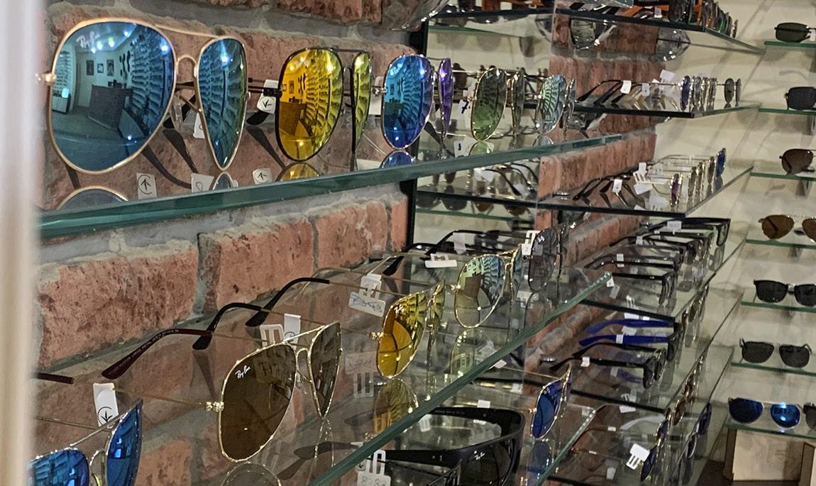 магазин солнцезащитных очков фото