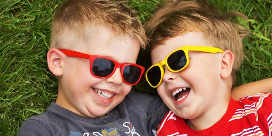 с какого возраста можно носить солнцезащитные очки фото