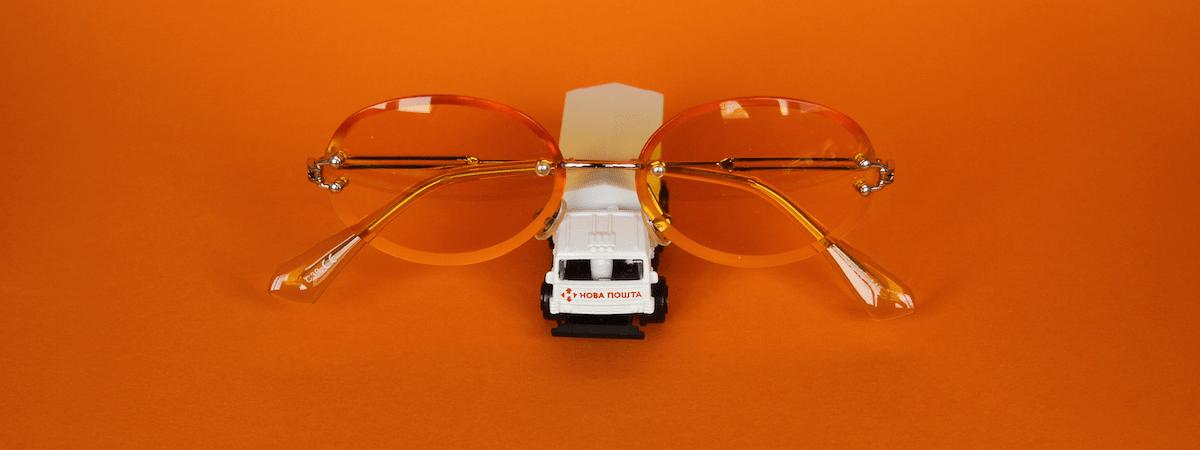 очки карен уолкер фото