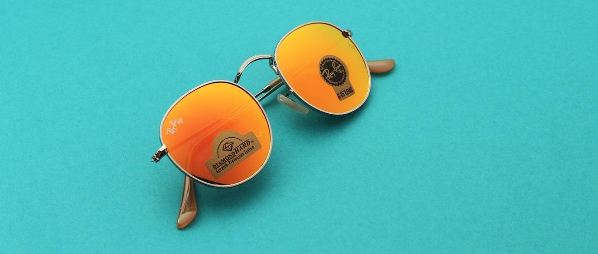 зеркальные солнцезащитные очки фото